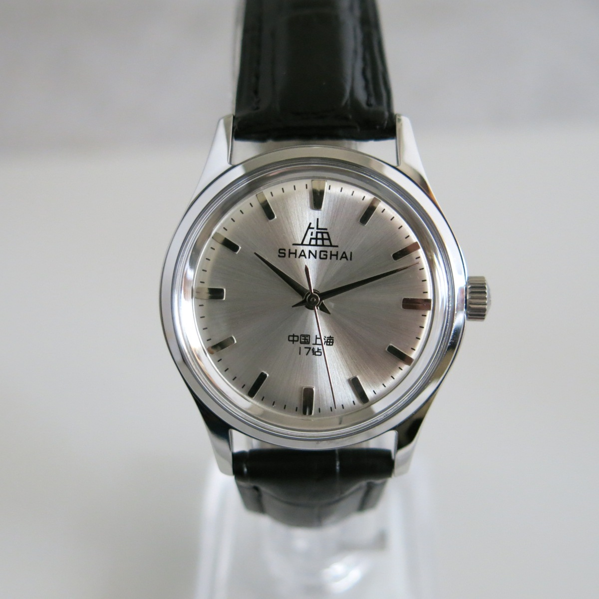 Shining silver gray Shanghai 1120 reissue wristwatch, manual hand-winding