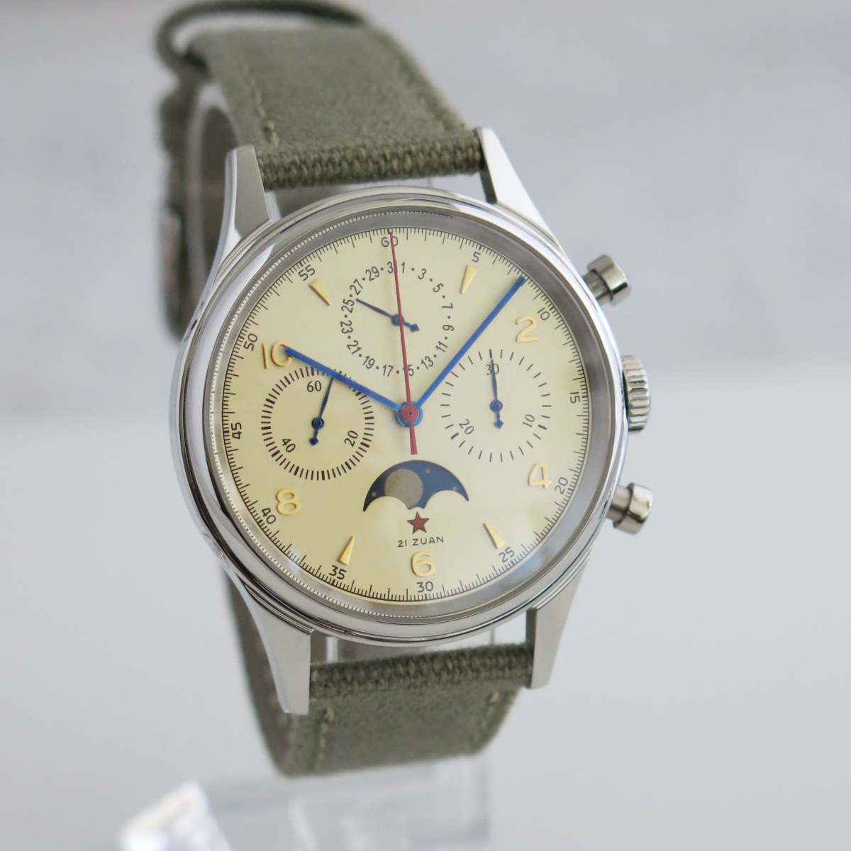 1963 reissue aviation chronograph with date and moonphase