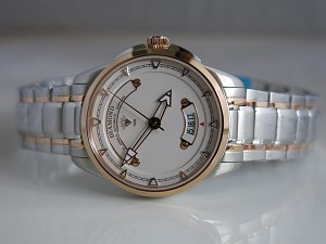 Shanghai Diamond sandglass series model 3306 automatic watch
