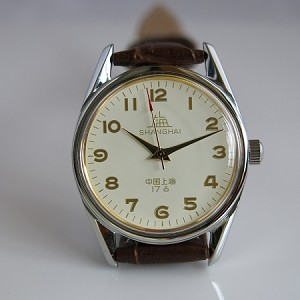 Shanghai ivory yellow big digits hand-winding mechanical watch